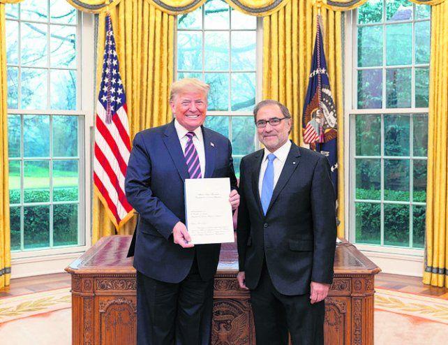 Amigo americano. Trump recibió las cartas credenciales de Argüello.