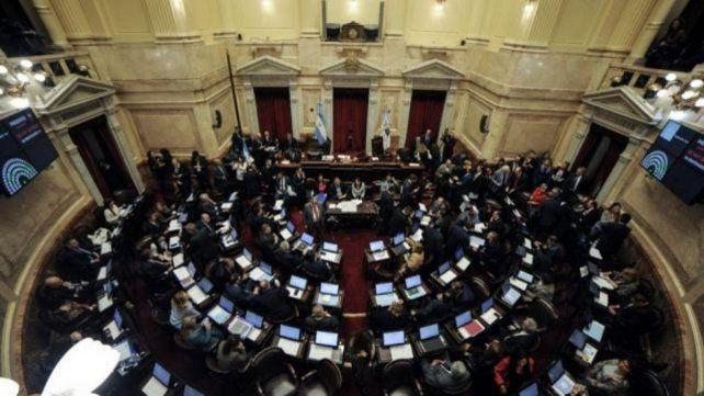 Por unanimidad, el Senado convirtió en ley el proyecto sobre la deuda externa