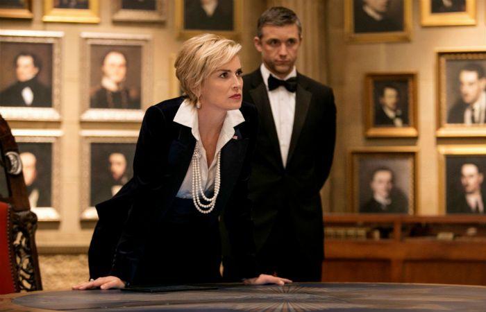 La sex symbol eterna. Sharon Stone y Jeff Hephner encarnan a la vicepresidenta estadounidense y a un agente secreto que debe salvar al país.