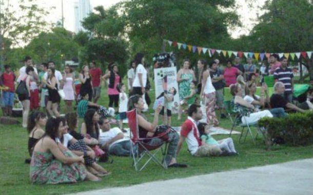 Celebración. Uno de los encuentros en espacios verdes organizado por la Secretaría de Servicios Públicos.