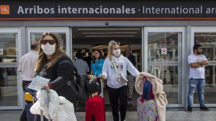 El 38% de quienes ingresan al país no cumple la cuarentena obligatoria