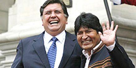 Se pasó de la raya: Alan García puso en duda la sexualidad de Evo Morales