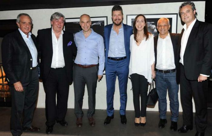 Los dirigente se reunieron con los futuros gobernantes de Ciudad Autónoma de Buenos Aires y la provincia bonaerense.