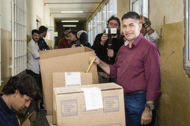 El pastor Eduardo Trasante votó en la escuela San Pedro Julián Eymard