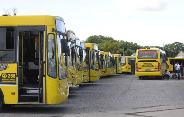 No habrá trasnporte de pasajeros por el acatamiento de los choferes de la UTA.