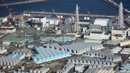 Japón verterá al mar agua radiactiva almacenada en la planta nuclear de Fukushima