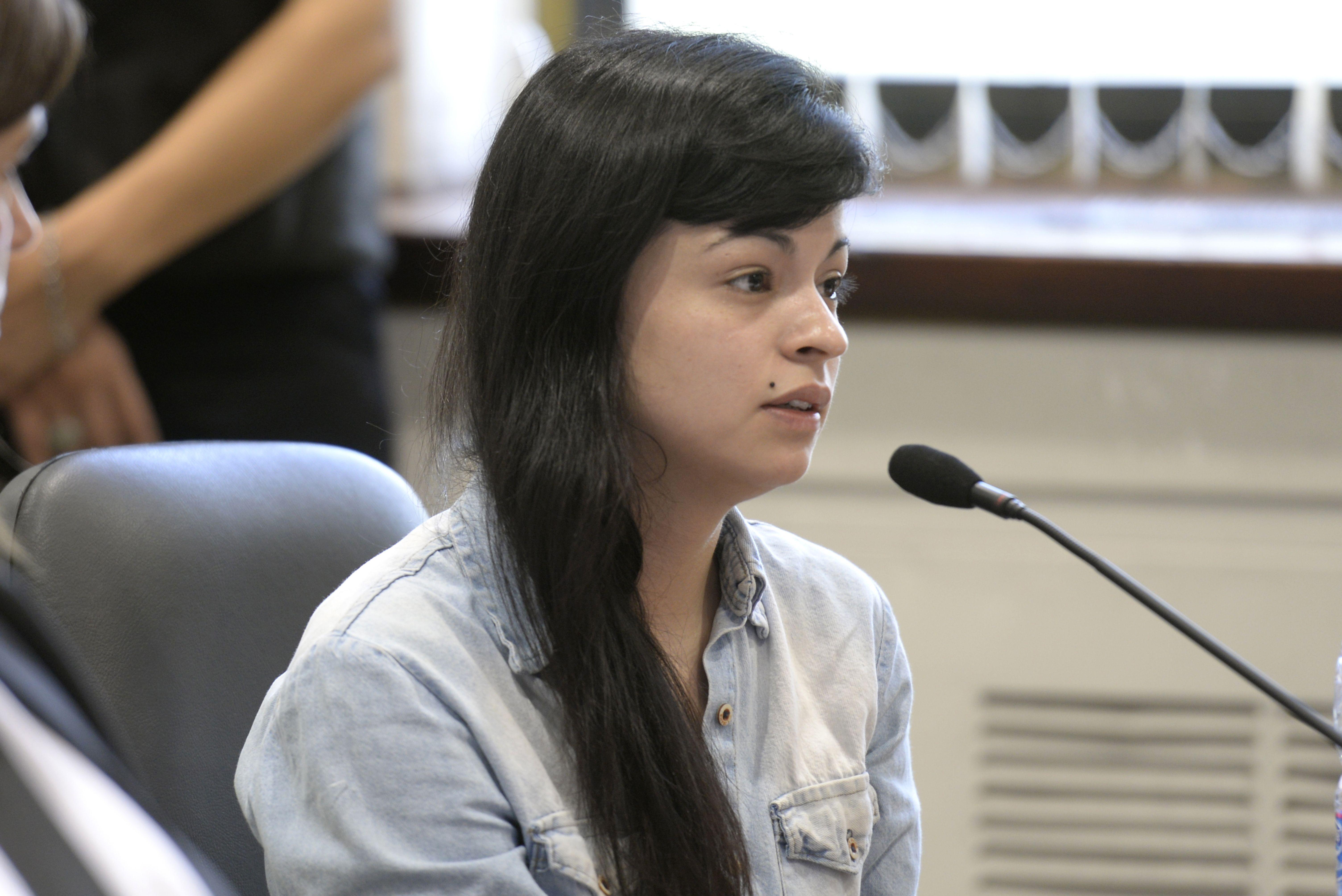 Rocío Quiroz tiene 22 años y una figura menuda. Ayer dio su testimonio con tranquilidad y voz suave. (C.M.Lovera)