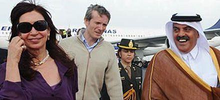 Cristina llegó a Doha donde participará de cumbre de presidentes