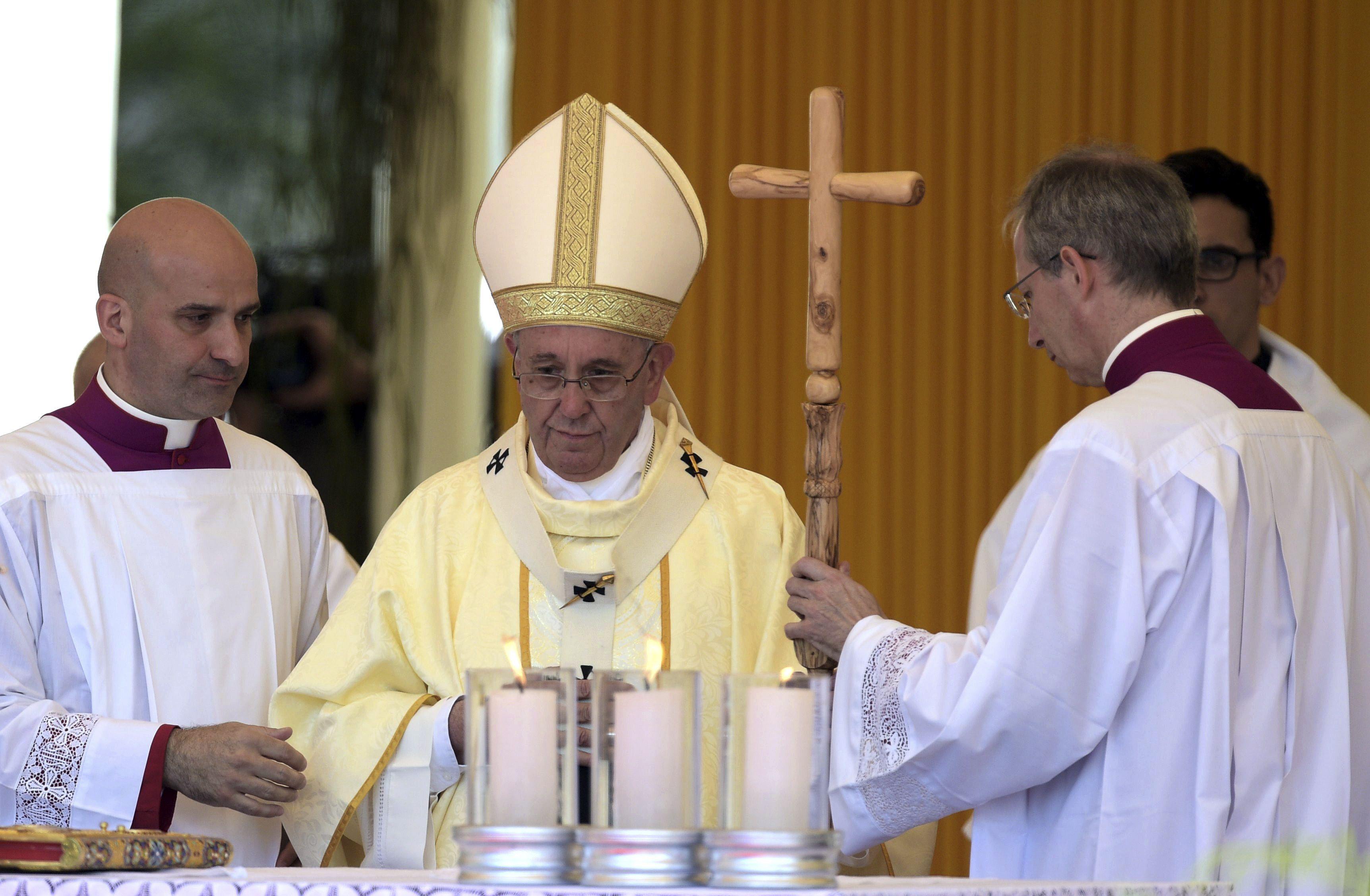 Franciso la primera misa en suelo guaraní. (Foto Reuters)