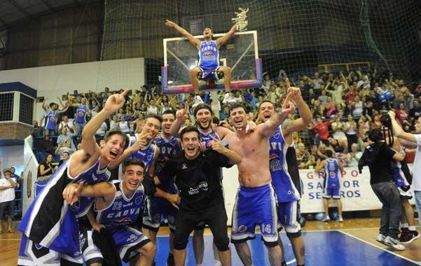 Los campeones. El plantel que le dio al equipo de la zona sur el primer título de su historia en la máxima categoría.