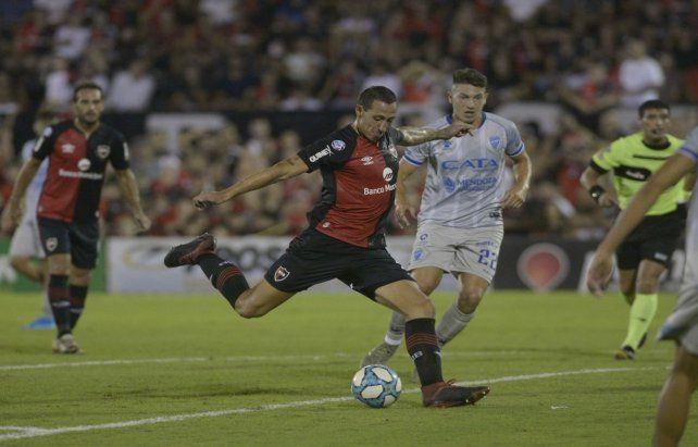 No juega. Lema se pierdeel debut en la Copa Superliga. Es una baja de importanciaen el equipo rojinegro.