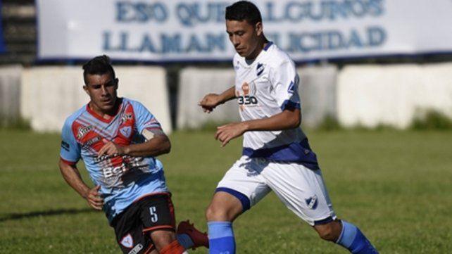 El Negro puede. El volante Iramaz anotó el gol del triunfo tras un centro de Bembo.