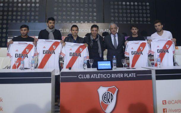 Las flamantes incorporaciones fueron presentadas por el DT Marcelo Gallardo y el presidente Rodolgo DOnofrio.