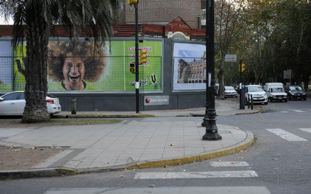 Oroño y Rivadavia. La esquina donde se instalará un restaurante temático.