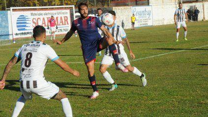 Cobelli vuelve al once: El goleador charrúa estará desde el inicio ante Argentino de Merlo después de dos partidos. Ante Atlas ingresó en el segundo tiempo.