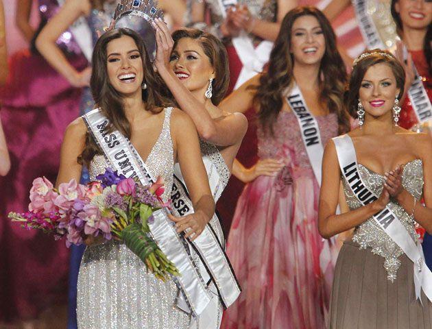 La colombiana se alzó como la mujer más linda en una gala que se celebró este domingo en Miami.