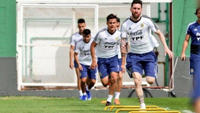 Para adelante. Siempre comandada por Messi