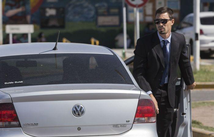 El fiscal Citterio llega al penal de Ezeiza para tomarles decaración a los imputados del triple crimen. (Foto: NA)