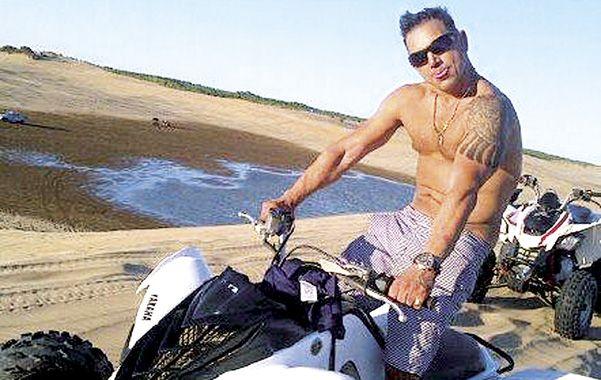 En la playa. Luis Medina en Punta del Este