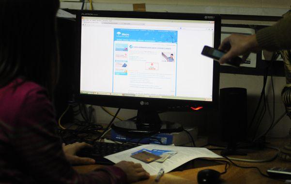 A la pesca. Los hackers envían mails simulando ser del banco y solicitan ingresar la clave para sustraer los datos.