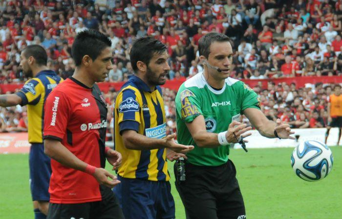 El árbitro dirigió el primer Central - Newells en abril de 2014