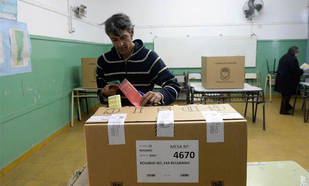 A las 19 eran 15 las mesas que habían sido cargadas en la página oficial del Tribunal Electoral de Santa Fe.