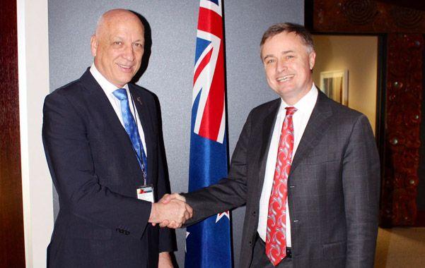 Sociedad. Bonfatti y el vicecanciller de Nueva Zelanda