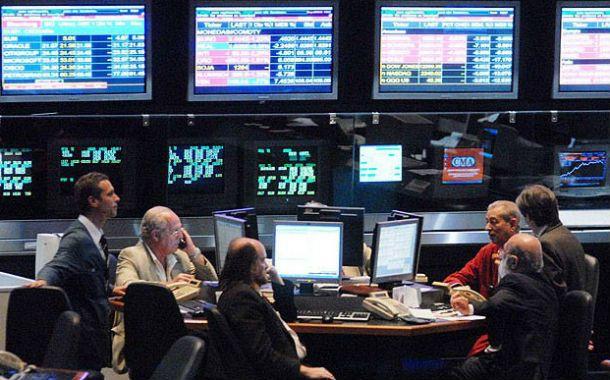 Merval. Las acciones suben acompañando el recorrido del dólar blue.