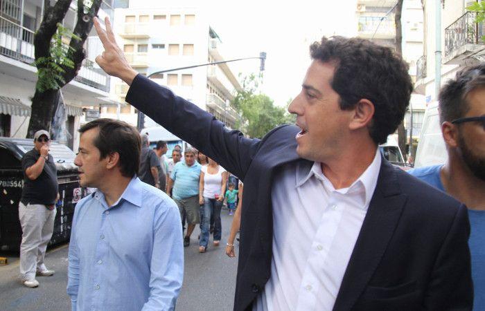 Mariano Recalde y Eduardo de Pedro arriban a la reunión del peronismo.
