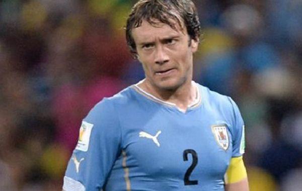 El defensor uruguayo habló sobre el partido de ayer noche en Santiago de Chile.