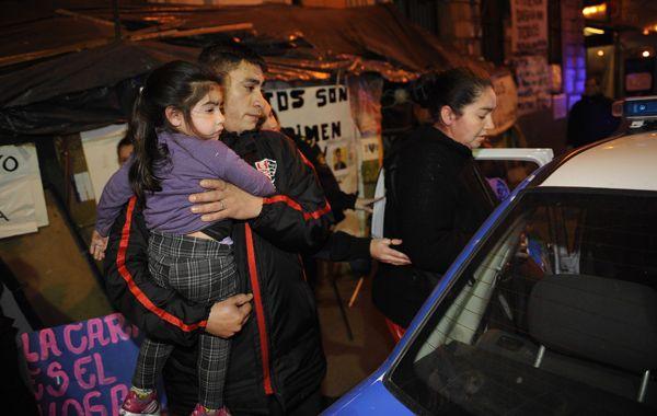Los manifestantes reclaman que las dejen instalarse en un terreno de Rouillón y Doctor Riva.