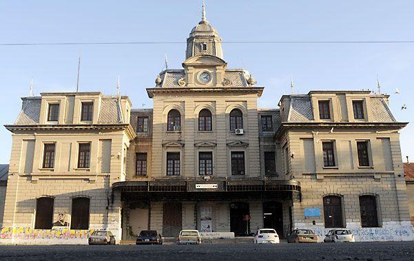 Renovación. La estación ubicada en bulevar 27 de Febrero y Juan Manuel de Rosas recibirá aportes del Estado nacional para su embellecimiento.