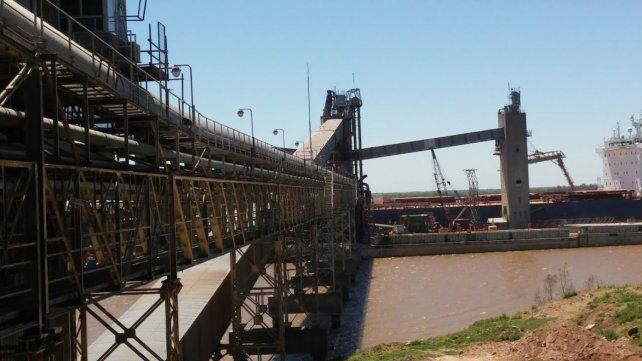 El puerto de la agroexportadora Dreyfus en General Lagos.