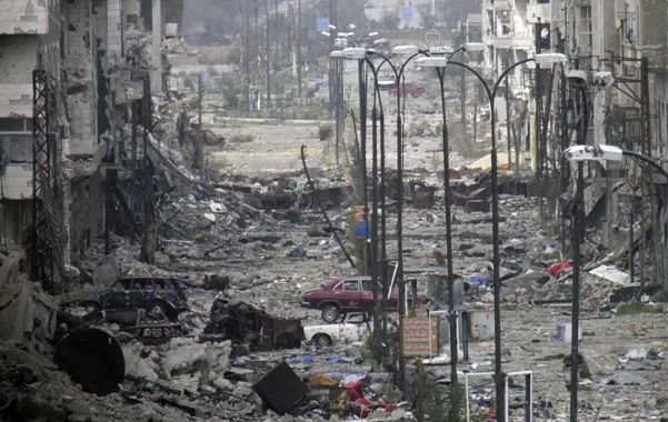 Devastada. La ciudad de Homs está sometida al bombardeo del ejército.
