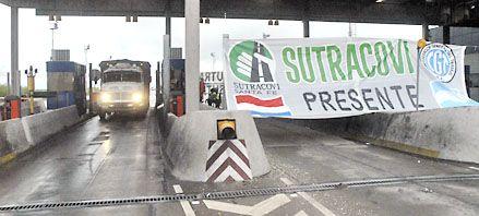 Sin barreras de peaje en el puente a Victoria en reclamo de aumentos