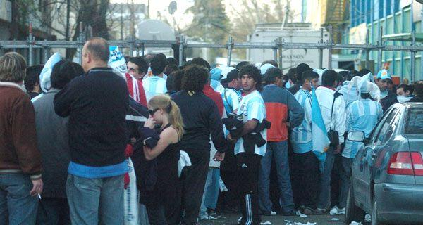 La AFA deberá indemnizar a quienes quedaron afuera de Argentina-Brasil