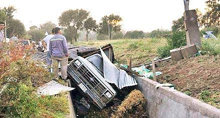 Un tornado azotó a Laboulaye y voló los techos de unas cien casas
