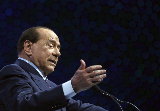 Berlusconi está en una fase delicada por su contagio de coronavirus