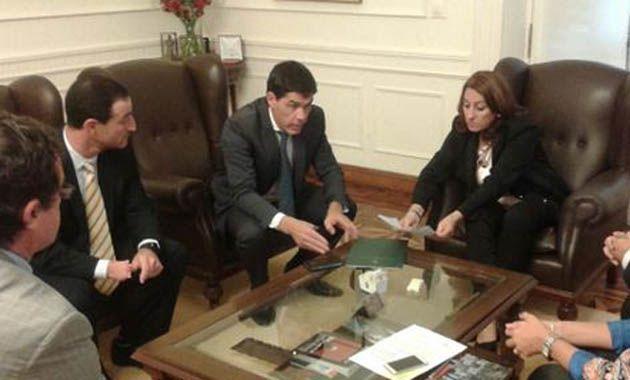 Ramos se reunió esta mañana con la intendenta Mónica Fein por una inversión de 75 millones de pesos en infraestructura.