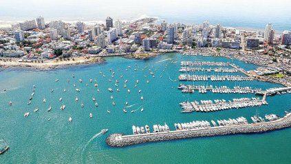 Desde el gobierno del vecino país pretenden alentar la llegada de turistas argentinos.