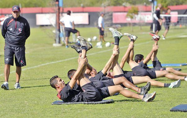 El Profe. Rubén Olivera es el responsable de la puesta a punto física de los jugadores rojinegros.