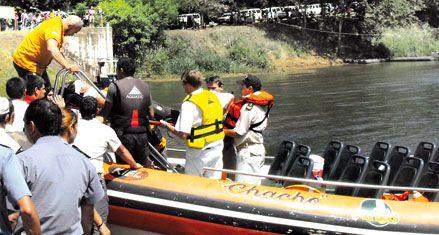 Dos turistas de EEUU murieron al volcar una lancha en las Cataratas