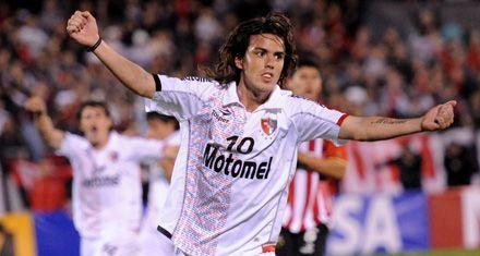 Newells se quedó con el primer duelo por la Copa Sudamericana ante Estudiantes