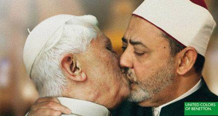 Benetton escandaliza al mundo con fotos trucadas de líderes besándose