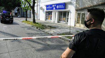 Murió el ladrón que se pegó un tiro mientras escapaba de la escena del crimen