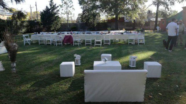 El lugar estaba listo para la recepción de los invitados.