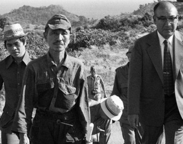 El fin. Onoda (centro) en marzo de 1974