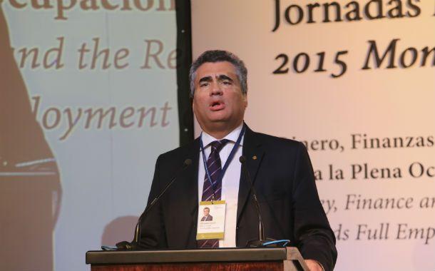 Exposición. Vanoli criticó a los economistas locales que pregonan planes de ajuste.