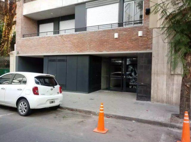 El hecho sucedió esta tarde en un departamento del sexto piso de un edificio de Catamarca al 1700.