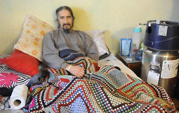 Santos volvió al hospital donde permaneció inmovilizado durante 130 días. (Foto: M.Bustamante)